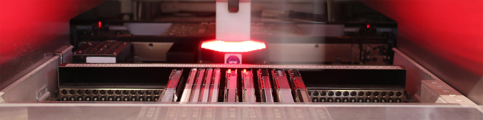 smd-service-fuchs-ansicht-in-maschine-mit-rotem-laser-produkte